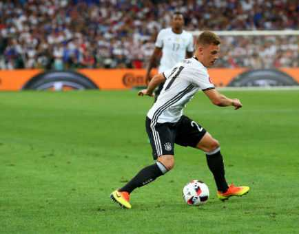 Joshua Kimmich (Deutschland) – Fussball EM 2016: UEFA EURO Halbfinalspiel zwischen Deutschland und Frankreich im Stade Velodrome am 7. Juli 2016 in Marseille, Frankreich. Foto: Alex Livesey / Getty Images