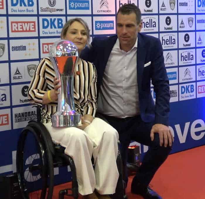 Kristina Vogel und Michael Ilgner, Vorstandsvorsitzender der Deutschen Sporthilfe - DHB Pokal Final Four 2019 - Foto: Peter Jansen