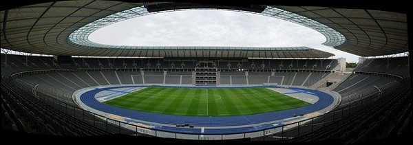 Fußball DFB Pokal Finale 2021: RB Leipzig vs Borussia Dortmund - Copyright: https://pixabay.com/photos/olympic-stadium-stadium-berlin-363477/ - Licence: Pixabay Licence. Bild vonPeter TimmerhuesvonPixabay.